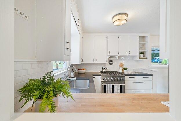 ۱۰ گام برای تمیز کردن کابینت آشپزخانه