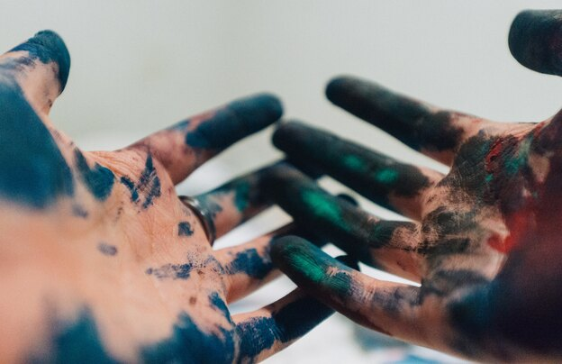 ترفندهای نظافت منزل برای لکه های رنگ