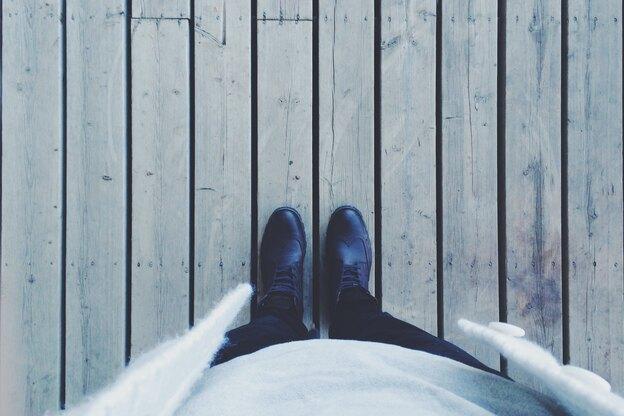 چگونه کفپوش چوبی آسیب دیده را تعمیر کنیم؟