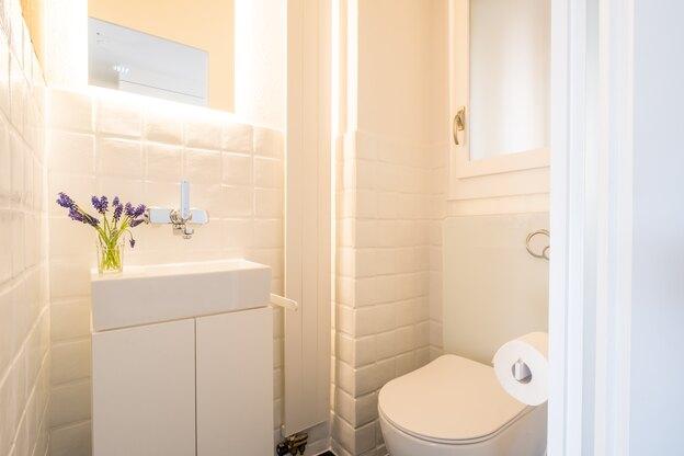 نشتی فلکه توالت فرنگی و شیوه تعمیر آن