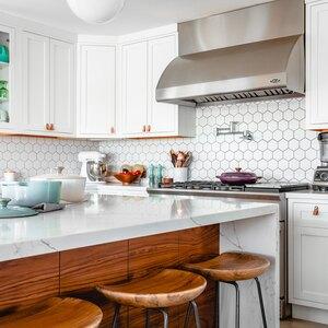 کابینت دو رنگ آشپزخانه هنوز مد است