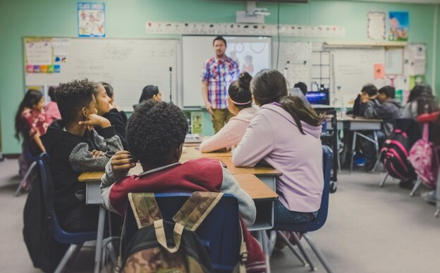 چگونه با معلم فرزندمان صحبت کنیم؟