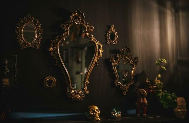 نکات حرفه ای برای تزیین دیوار با آینه ها
