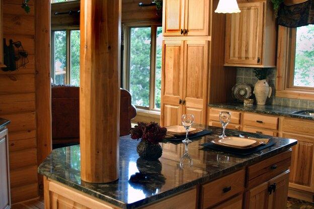 سنگ روی کابینت آشپزخانه را چطور تمیز کنیم؟