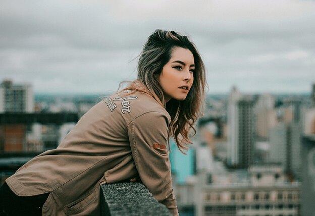 خواص روغن نارگیل برای مدل موی فر
