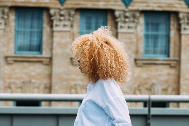 هرآنچه که باید درباره فر کردن مو بدانید