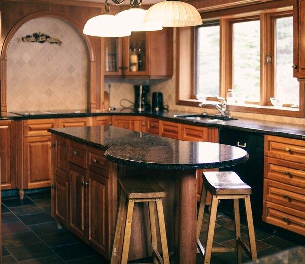 مزایا و معایب کابینت چوبی که قبل از خرید باید بدانید