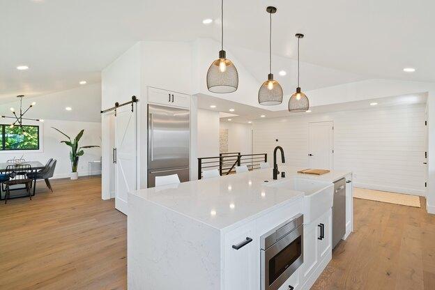 دکوراسیون محبوب طراحی کابینت آشپزخانه
