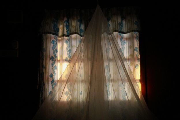 شستشوی پرده در خانه تکانی