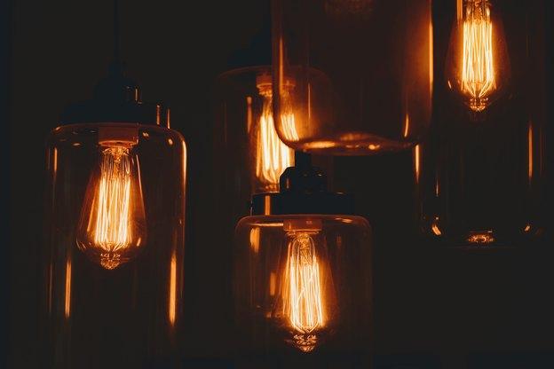 تعمیر و سیم کشی روشنایی