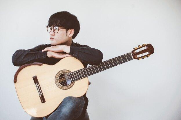 آموزش گیتار: گیتار آکوستیک یاد بگیریم
