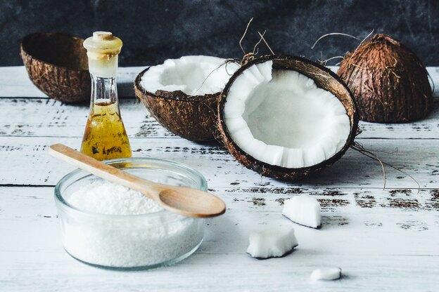 فواید استفاده از روغن نارگیل برای مو