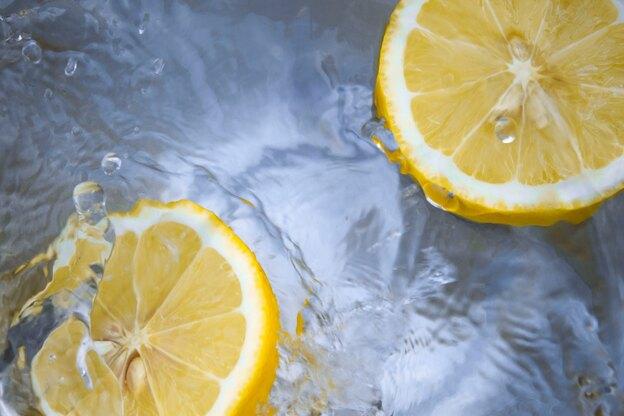 محلول های شوینده خانگی برای نظافت منزل