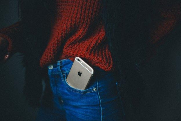 راهنمای سنجاق مگ برای انتخاب بهترین گوشی آیفون