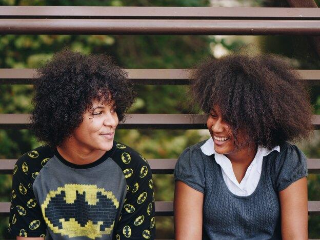 وقتی موهای فر آفریقایی (Afro) را کراتین می کنید، چه اتفاقی می افتد؟