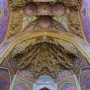 فرش ایرانی و قالیشویی در خور حالش