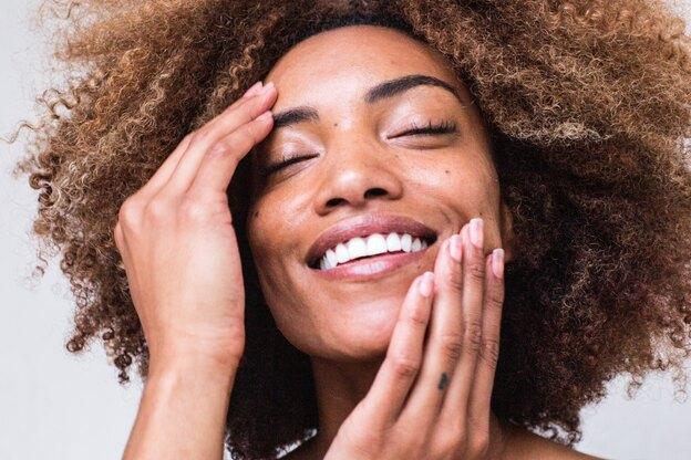 ۱۰ روش درمانی برای پوست چرب