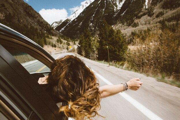 ۷ مدل موی ساده ساده و فوری مناسب سفر