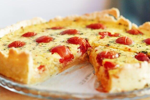 طرز تهیه تارت گوجه فرنگی موزارلا