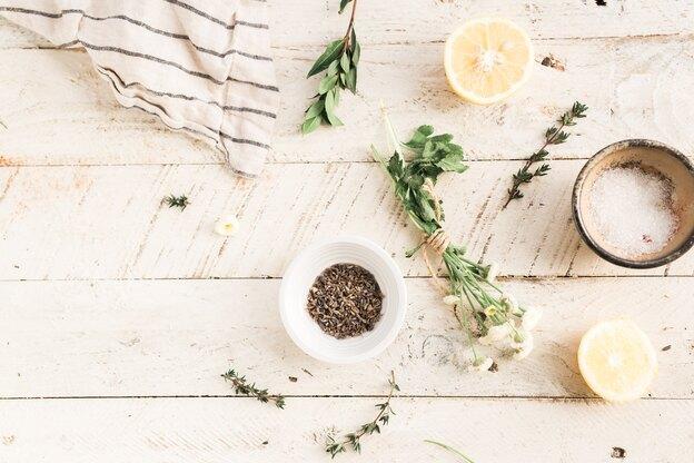 فواید روغن درخت چای برای مو