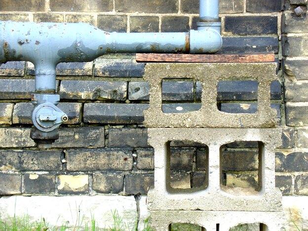 چگونه متوجه نشتی لوله های آب خانه شویم؟