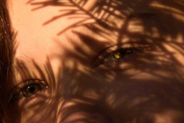 معرفی ۱۰ روغن سفید کننده پوست برای داشتن پوستی روشن