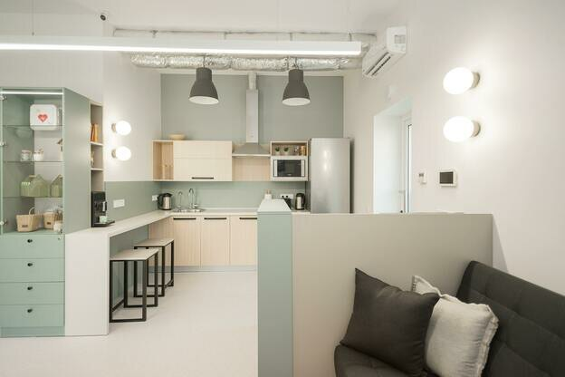 بهترین ترندهای رنگ کابینت آشپزخانه در سال ۲۰۲۱ که می توانید در خانه تان به کار ببرید