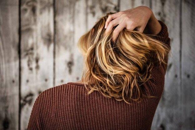 نحوه آمبره موی مشکی در خانه