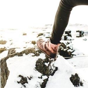 بهترین روش تمیزکردن کفشهای چرمی و شوره زده