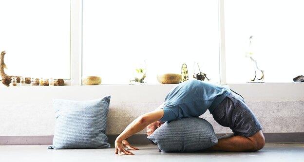 راهنمای انجام یوگا در خانه