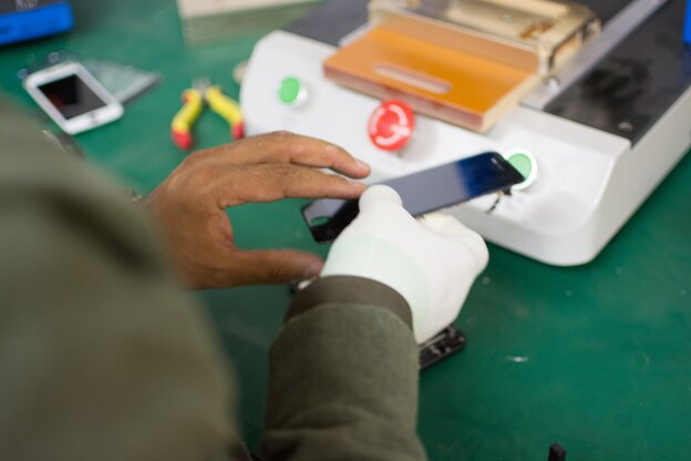 چه کار کنیم تعمیرکار موبایل شویم؟