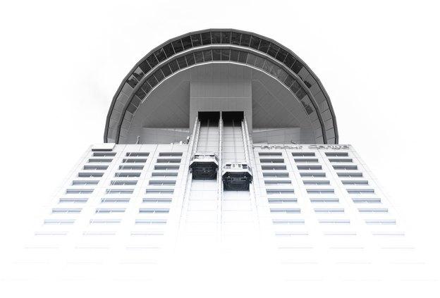 راهنمای تخصصی سنجاق مگ برای طراحی کابین آسانسور