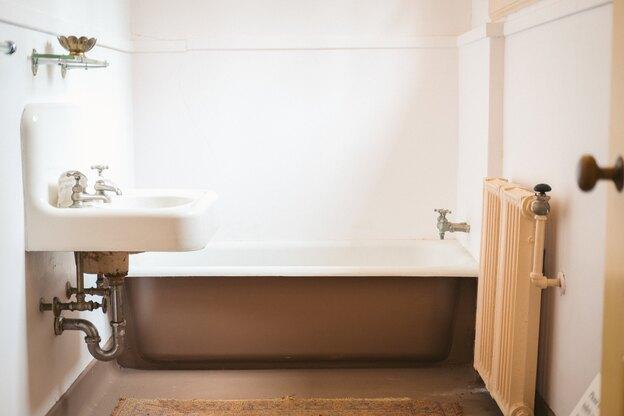 دوغاب ریزی کاشیکاری حمام
