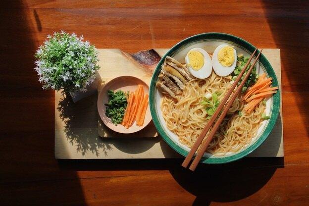 طرز تهیه پاستای خامه ای سبزیجات برای گیاهخواران