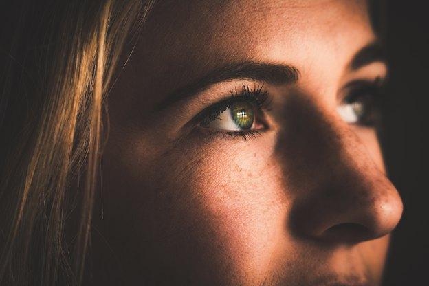 مراقبت پوست های چرب: مواد غذایی مضر