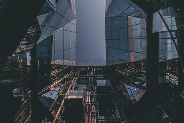 چه نکاتی در خرید آسانسور شیشه ای نما اهمیت دارند؟