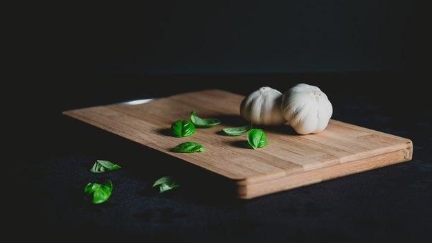 نحوه تمیز کردن، ضدعفونی کردن و نگهداری تخته ی خردکن آشپزی