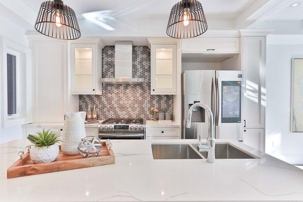 تمیزکردن هود آشپزخانه در نظافت منزل