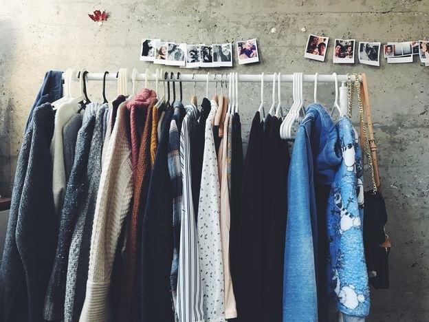 پاک کردن بوی تند مواد معطر از لباس ها