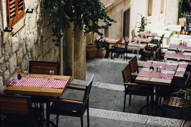 کارهای جمعه: چطور لقی میز و صندلی را بگیریم؟