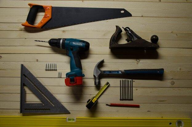 راهنمای کاشی کاری: انواع ابزار کاشی کاری