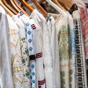 مرتب کردن کمد لباس ها