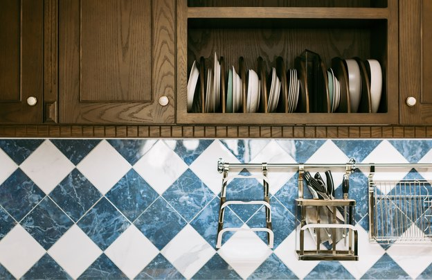 کاشی  شیشه ای برای بازسازی کاشی  کاری آشپزخانه