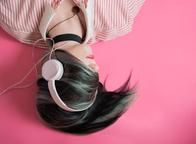 6 روش هوشمندانه برای استفاده از روغن نارگیل و داشتن موهای زیبا