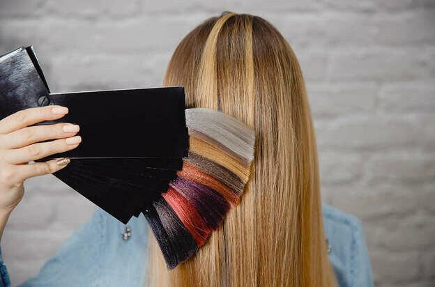 راهنمای مشتریان سنجاق: معرفی انواع رنگ موهای مورد استفاده در آرایشگاه های زنانه (برند)