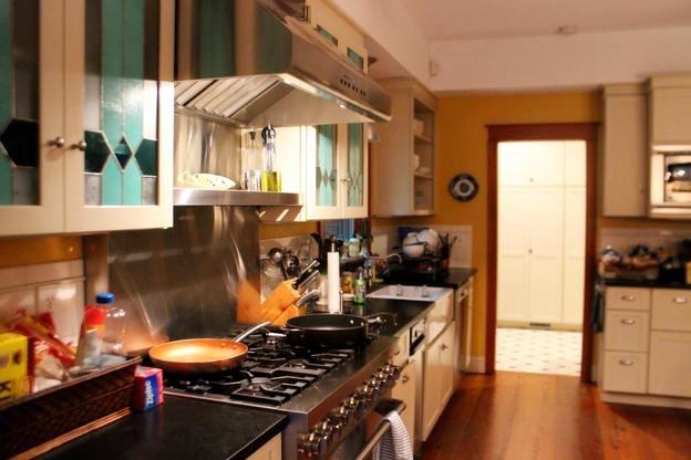 باید و نبایدهای تمیز کردن کابینت آشپزخانه که باید بلد باشید