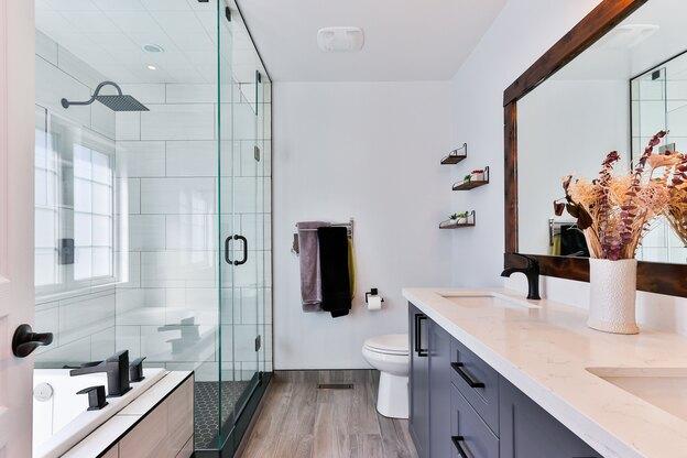 ۵ نکته که تمیز کردن حمام را سخت تر می کنند