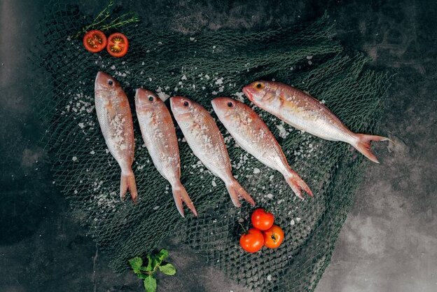 نحوه درست کردن سبزی پلو با ماهی شب عید