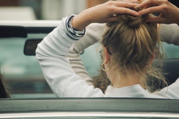 پنج کاربرد روغن نارگیل برای درمان مو