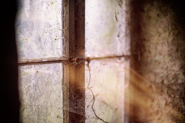 پنجره لولایی: معایبی که باید پیش از خرید مد نظر قرار داد